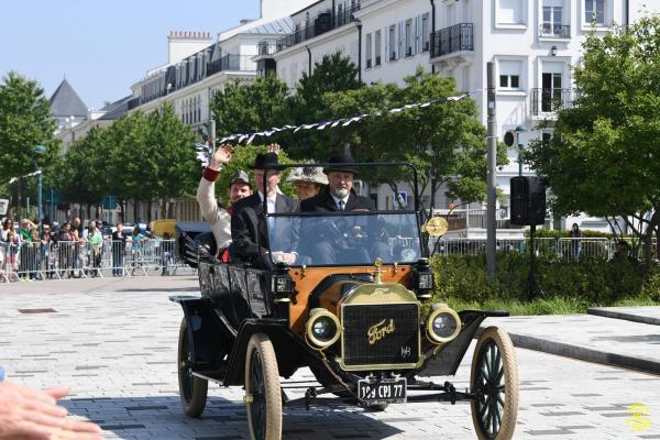 2 Arrivée de l'Achiduc d'Autriche et son épouse